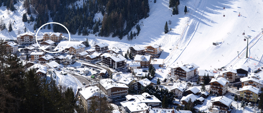 italy_dolomites_selva_hotel-somont_aerial-view.jpg